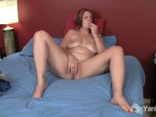 Yanks Redhead Veronica Grey Masturbating