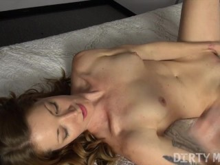 Sexy Fit Redhead Fucks Herself with A Vibrator