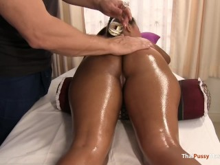Smooth slippery skin massage leads to horny sex