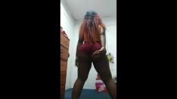 Sexy Bbw Vibing and twerking
