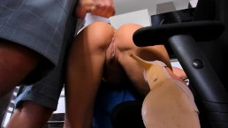 AMATEUR Blow job in kitchen cumshoot on young girl