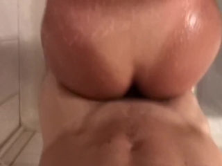 Fucking in my parents shower while they're gone