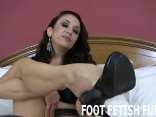 Femdom Foot Fetish And Toe Sucking Videos
