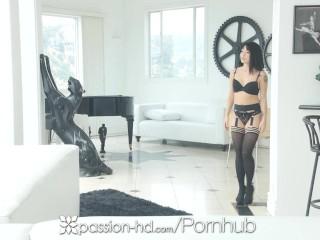 Passion-hd big dick trata pentru prietena masturbantă agresivă