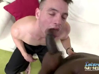 Interracial muscled fucking...