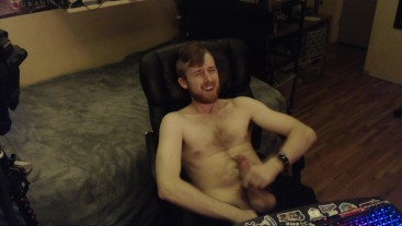 24YO CANADIAN BIG UNCUT DICK JERK OFF AND CUM ON CHEST. YOUNG COLLEGE GUY