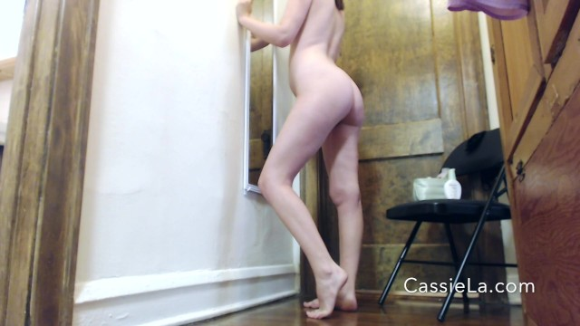 Back nature ready strip - Cassiescat casually pissing while getting ready for party
