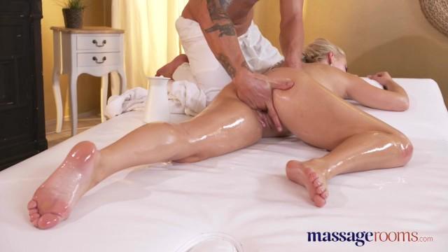 Эротический массаж и сквиртинг