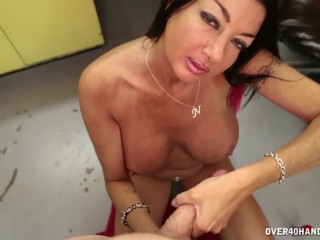 Milf offers her for the horny guy...