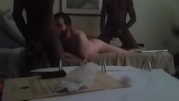 Hotel 3some