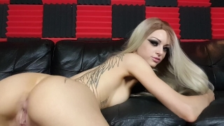 Kimber Veils uses large clear glass toy in her ass Premature big