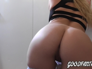 WITH THIS ASS IS RUN IN NOTHING AFTER GYM BLONDE PERFECT BODY!!