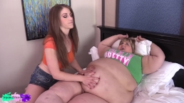 ssbbw ate to much and gets a belly rub