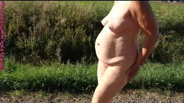 Wald reife frauen nackt im Nackt Im
