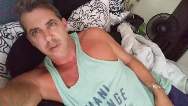 Daddy waking up w BIG BONER ! Celeb Cory Bernstein shows morning BIG DICK