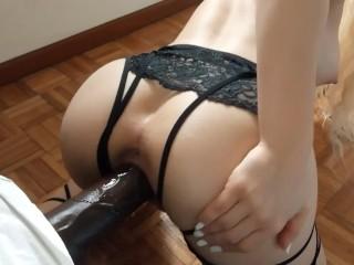 Teen fucks doggystyle – pussy stretching POV