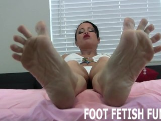 Femdom Feet Worshiping And Foot Fetish Domination