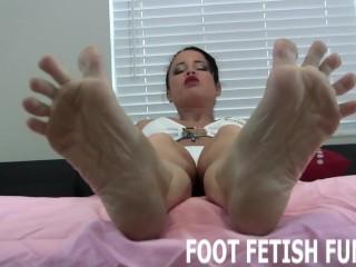 Femdom Feet Worshiping And Foot Fetish Domination