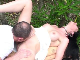 nikita mirzani - La Gnocca addormentata nel bosco