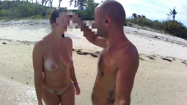 Download Gratis Video  THE WALKING NUDE - Amateur Russian couple!