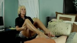 Nikki massage footjob  handjob happy ending footjob