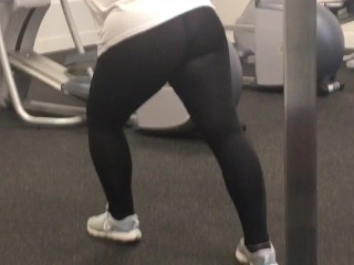 Quick spy gym out in tight pants...