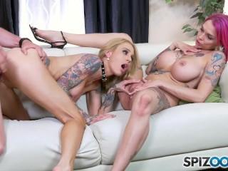 Spizoo - Anna Bell Peaks & Sarah Jessie fucking a big dick, big booty