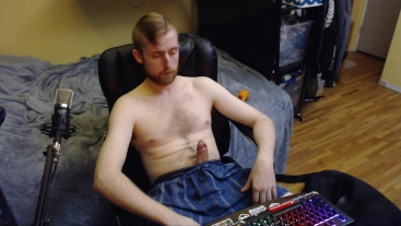 HORNY WEBCAM MODEL JERKS OFF AND SHOWS HIS BIG MEATY UNCUT DICK. NO CUMSHOT