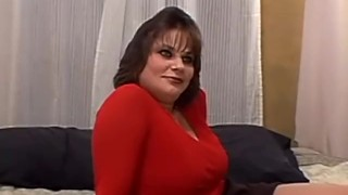 Short haired busty brunette milf has her pussy pounded in bed Girl francaise