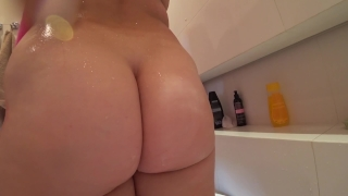 Young girl with a juicy ass fuck after a shower porno