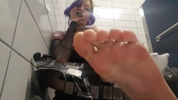 Goth girl sweaty smelly feet public bathroom