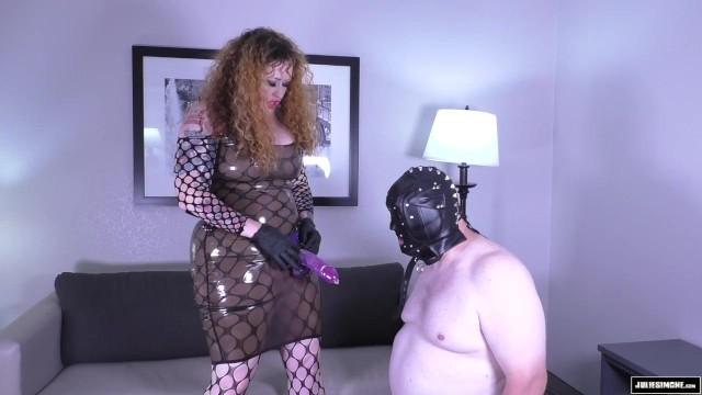 Femdom Throat Fuck in Latex C4S 9861 Mistress Julie Simone 4