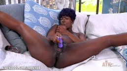 Tiana Grey cums hard just for you