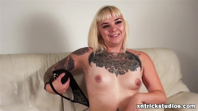 Download Gratis Video  Hot Tattooed Model Ami Shows Her Body And Audition At First Casting
