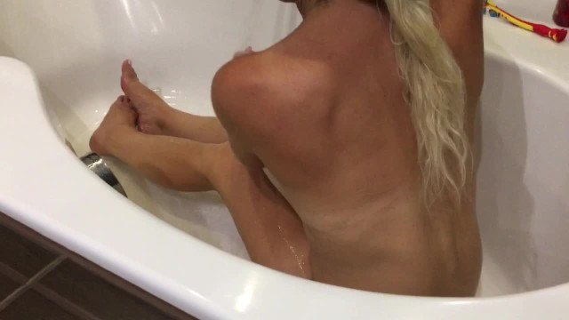 Download Gratis Video Nikita Milf in the bath then nice sucking and fuckin before goin to )