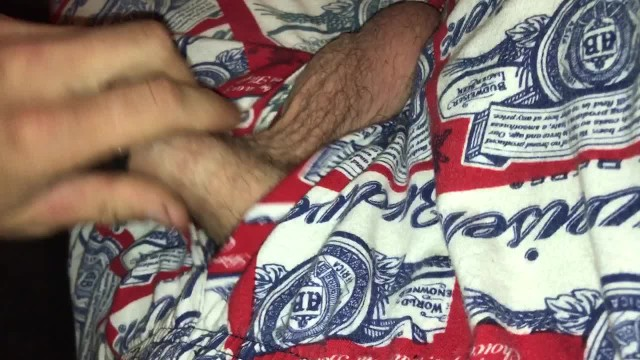 Download Gratis Video Nikita Mirzani I love playing with my young cock.  I love edging
