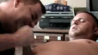 Homosexual receives handjob and blowjob from amateur pervert