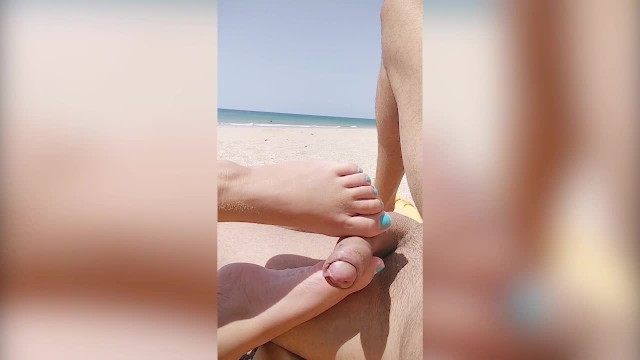 Nude Public Beach Risky Footjob And Handjob By Strangers -1144