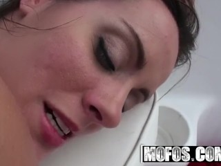 MOFOS – Mandy Haze lets Find A Spot to fuck my ass
