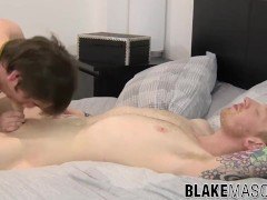 Cute And Young Homo Couple Have A Steamy Lovemaking Session