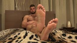 Leo Lombar - Feet