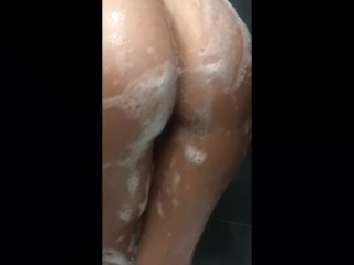 My Girlfriend is shaving her pussy