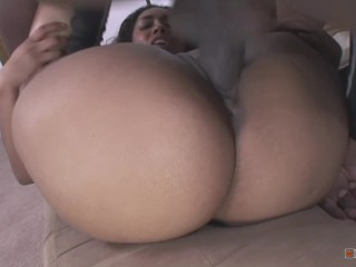 Nasty Pervert Intruded Donna's House To Smell Her Dirty Panties