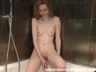 hard shower masturbation areana fox showing her personal private favorite