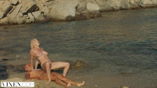 Sex kendra beach vixen sunderland a on passionate job hairy