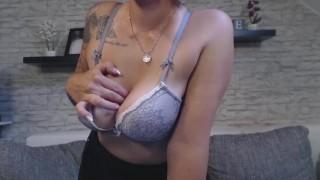 Nina webcam stripshow devil big girl