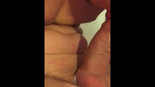 Too much sperm in my mouth! Help! / Massive oral creampie