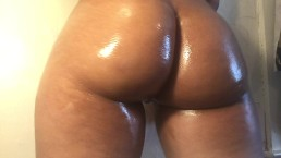 Twerking my fat Latina ass