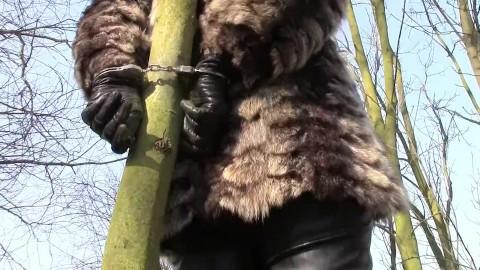 Bondage fur How to