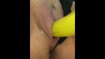 Cuming on a banana